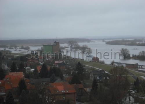 Luftaufnahme Bleckede - Elbe, Hafen, Silo