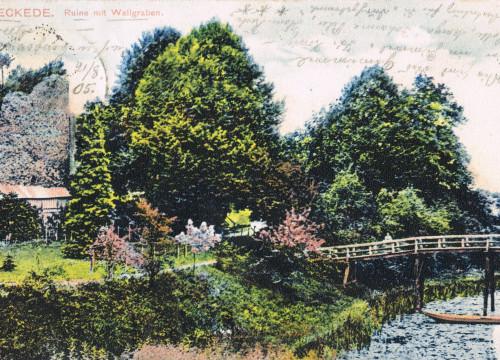 Bleckede Wallgraben mit Brücke