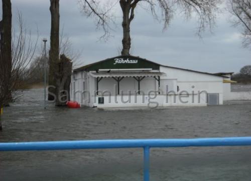 Fährhaus im Hochwasser 2009