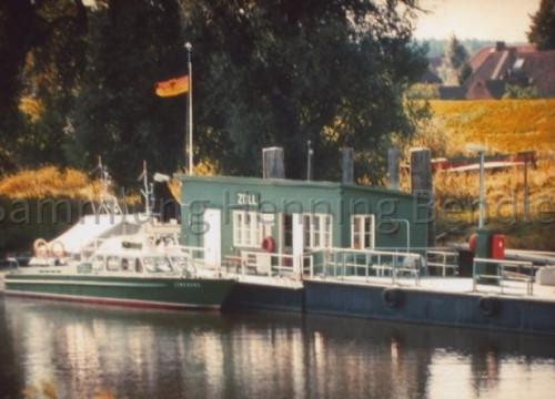 Zollstelle - Boot im Hafen