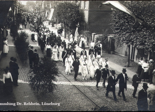 """Umzug anlässlich des """"Hannover-Festes"""" 9. August 1919"""