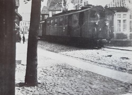 Kleinbahn in der Friedrich-Kücken-Str.
