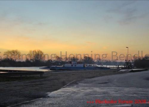 Fähre im Hafen 05.02.2008 um 7.40 Uhr