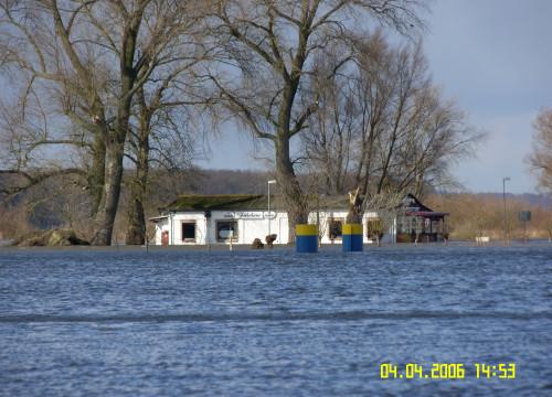 Hochwasser April 2006 - Fährhaus nah
