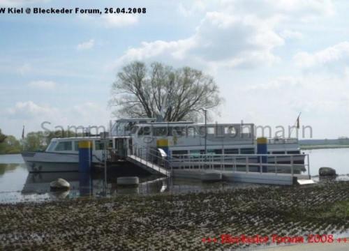 """Fahrgastschiff """"Bleckeder Löwe"""" am 26.04.2008 im Bleckeder Hafen"""