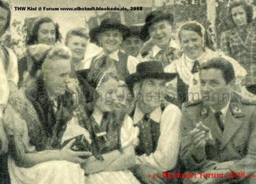 """Dreharbeiten zum Heimatfilm """"Grün ist die Heide"""" 1951"""