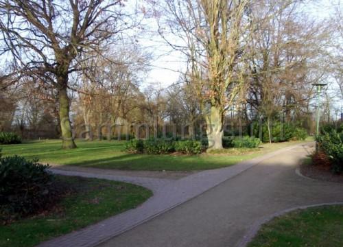 Eingang zum Schlosspark 2008