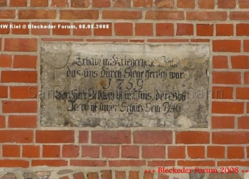 Radegast Inschrift Kirchengemäuer