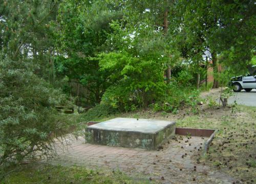 Denkmalsockel beim ehem. ASF Altenheim