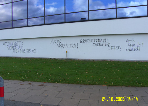 Schmierereien Schwimmhalle 2006