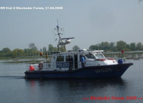 Wasserschutzpolizeiboot im Hafen