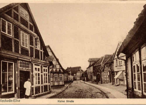 Kleine Straße (heute Friedrich-Kücken-Straße) um 1925