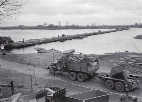 Pontonbrücke 1945