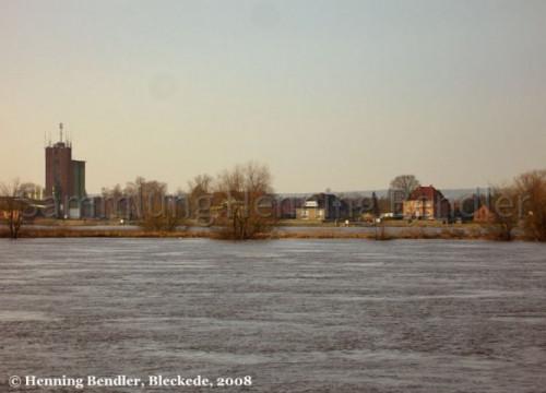 Hochwasser 2008 - Blick auf Hafen