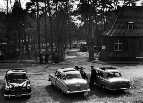 Parkplatz vor dem ehemaligen Krankenhaus ca. 1960
