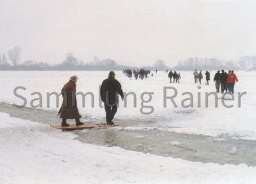 Zugefrorene Elbe Anfang 1996