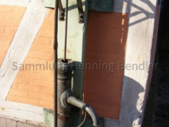 Pumpe bei der Scheune des Elbtalhauses