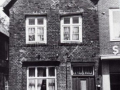 Haus Hebamme Burmester, Breite Straße 24