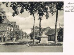 Kückendenkmal mit Breiter Straße 1936