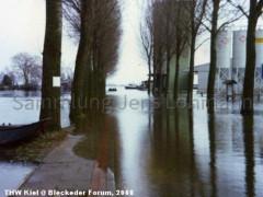 Elbstrasse - Hochwasser Silo 1982