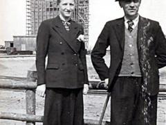 Kohlenbrecherhaus mit Ehepaar Buchner